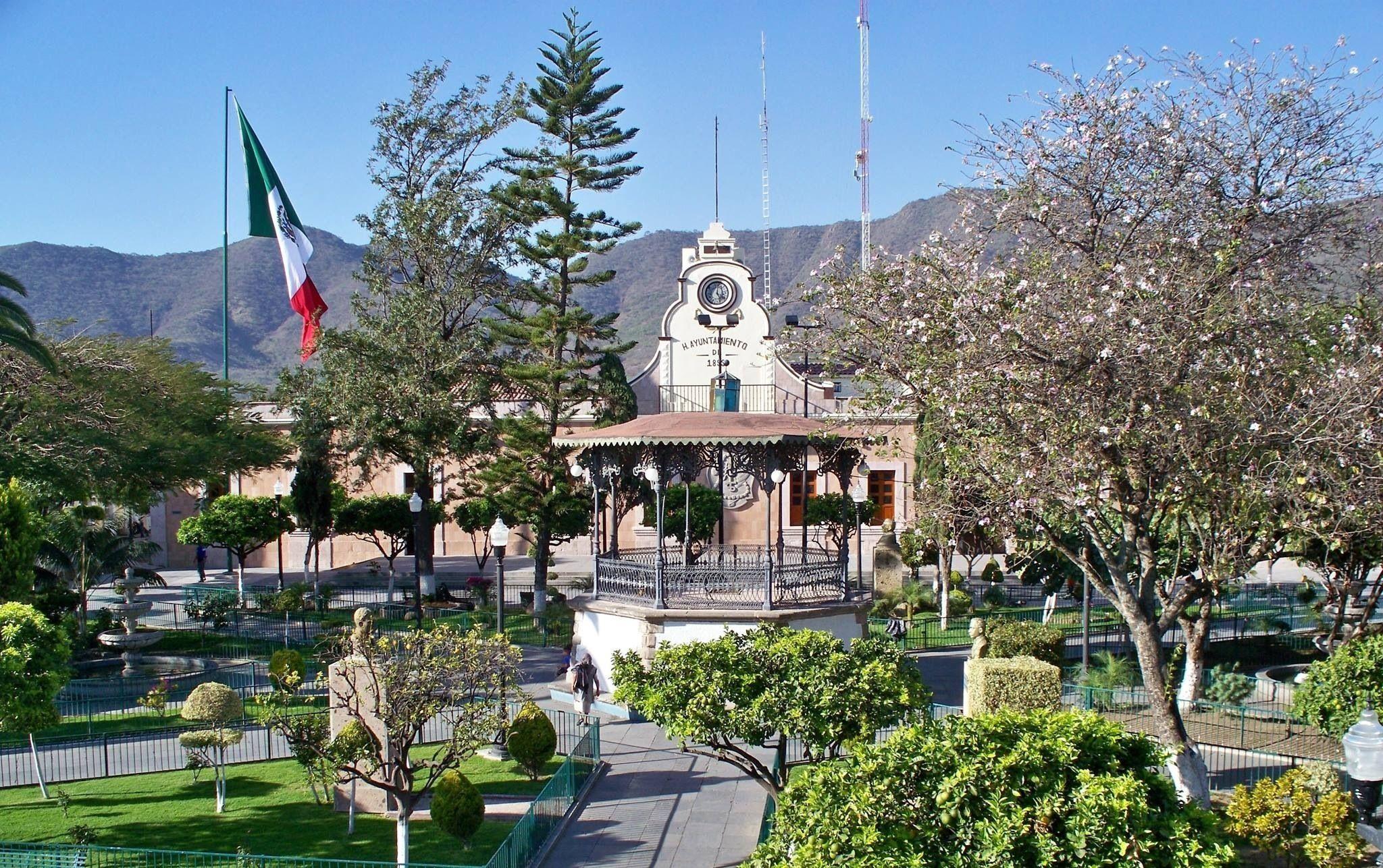 Plaza Principal Del Municipio De Tlajomulco De Zuñiga