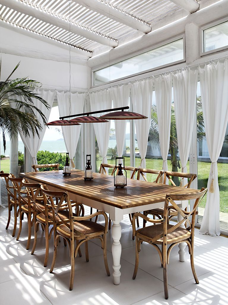 10 Favorite Outdoor Dining Spaces