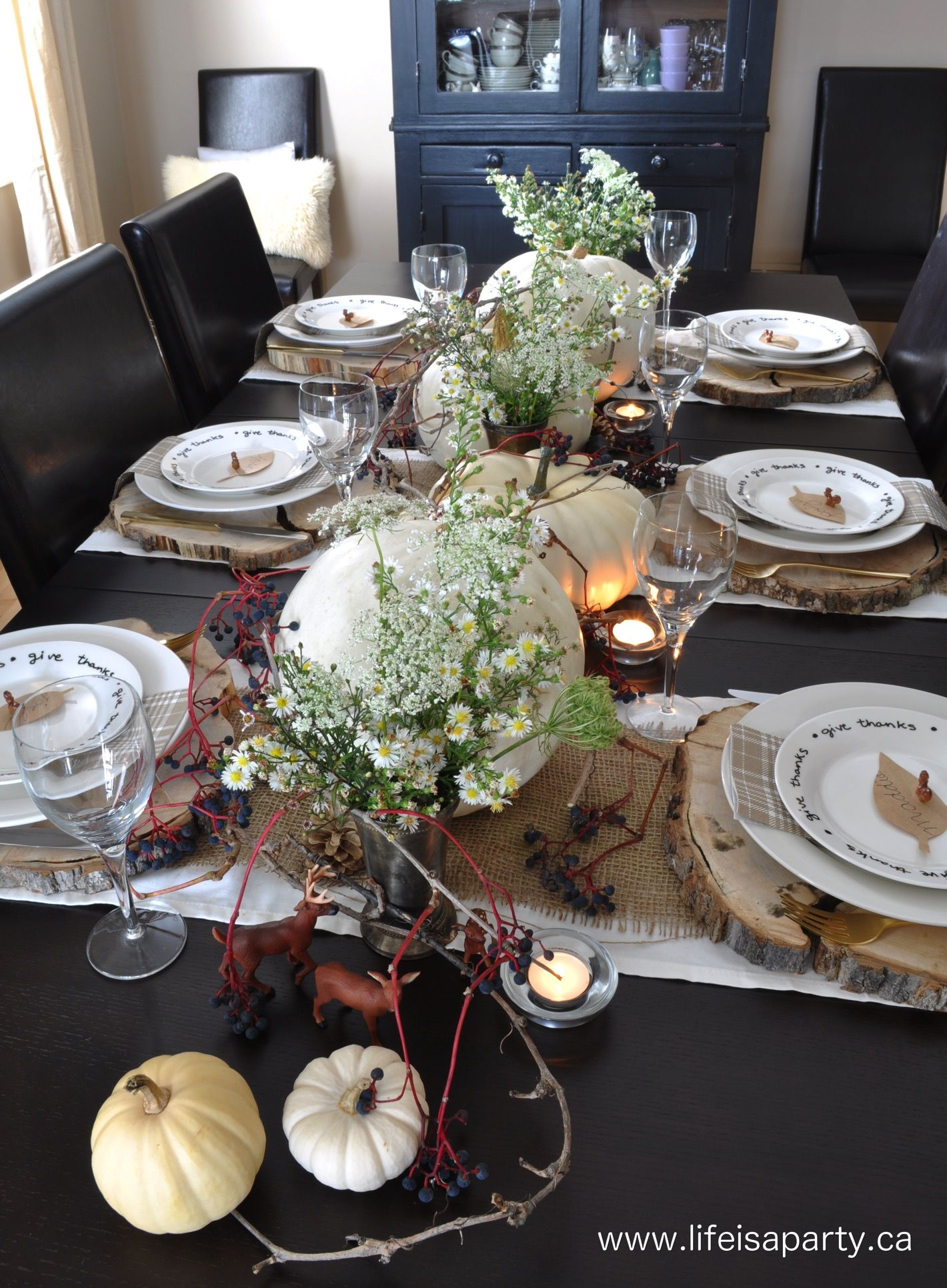 Rustic and Neutral Thanksgiving Table: Beautiful and inexpensive ...