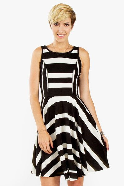 This Dress Has Curved Lines At The The Bottom Below Her Waist The Feeling Curved Lines Create Are Formal Soft And Dresses Fashion Sleeveless Skater Dress