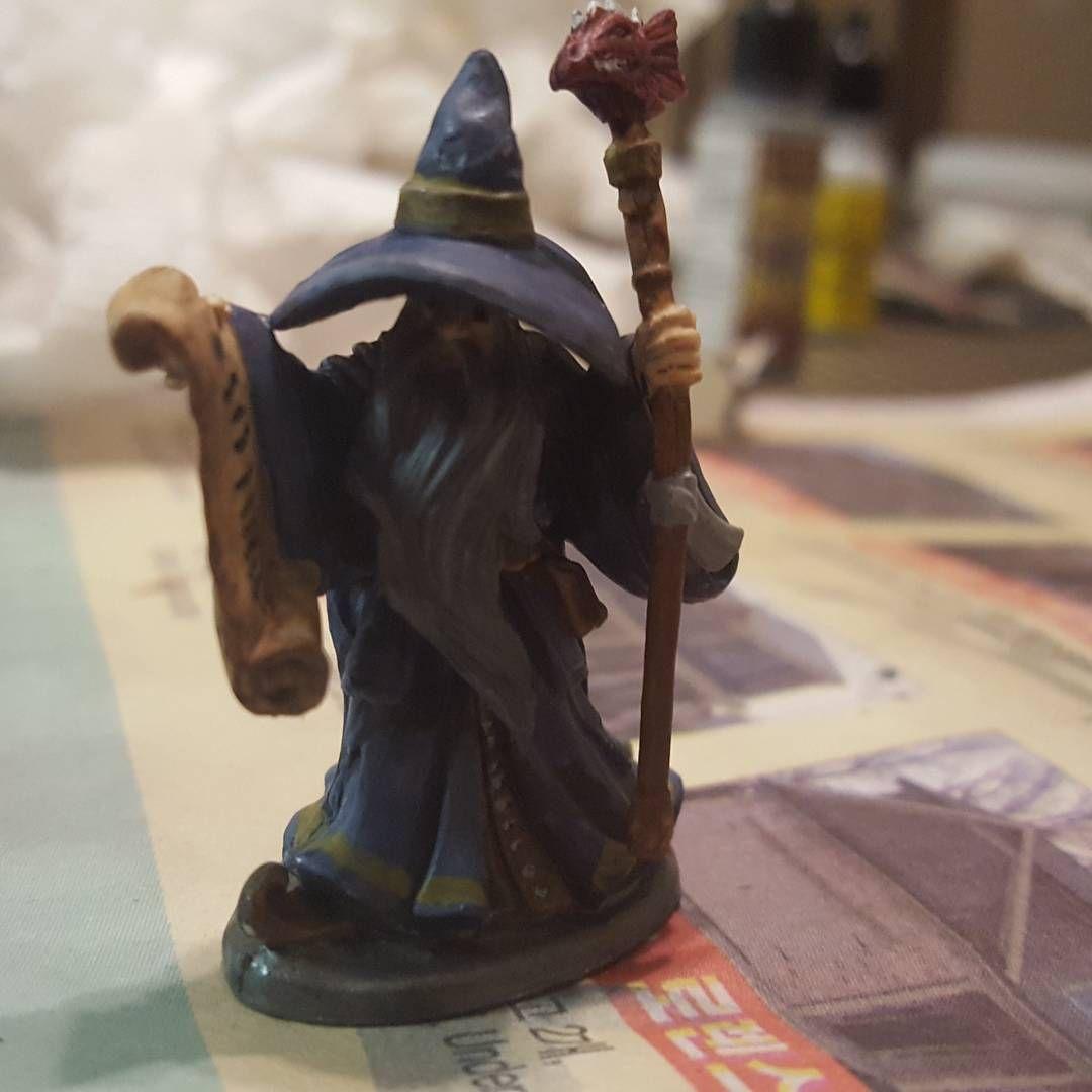Magnus, Human Wizard Miniature | Fantasy Miniature Paintings