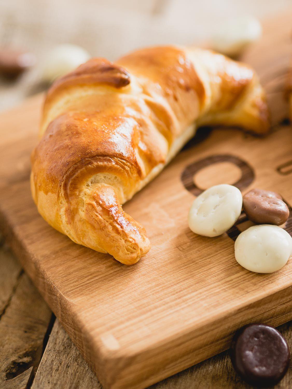 Chocolade pepernoten croissants, een perfect sinterklaas hapje. Lekker bij een sinterklaas ontbijt!