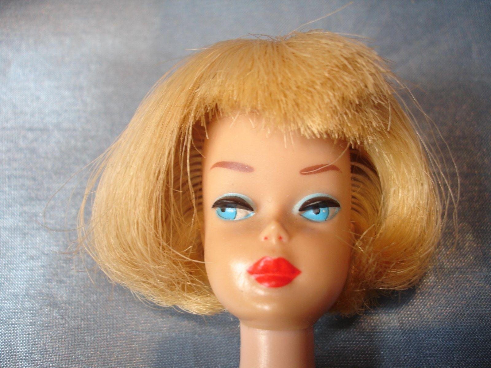 american-girl-barbie-pale-blonde