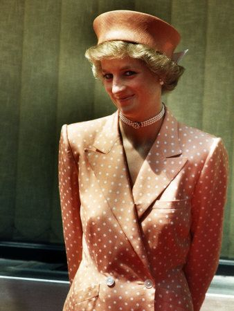 The late Princess Diana Princess of Wales beautiful in an Orange and White Polka Dot Dress with Matching Hat Fotografie-Druck