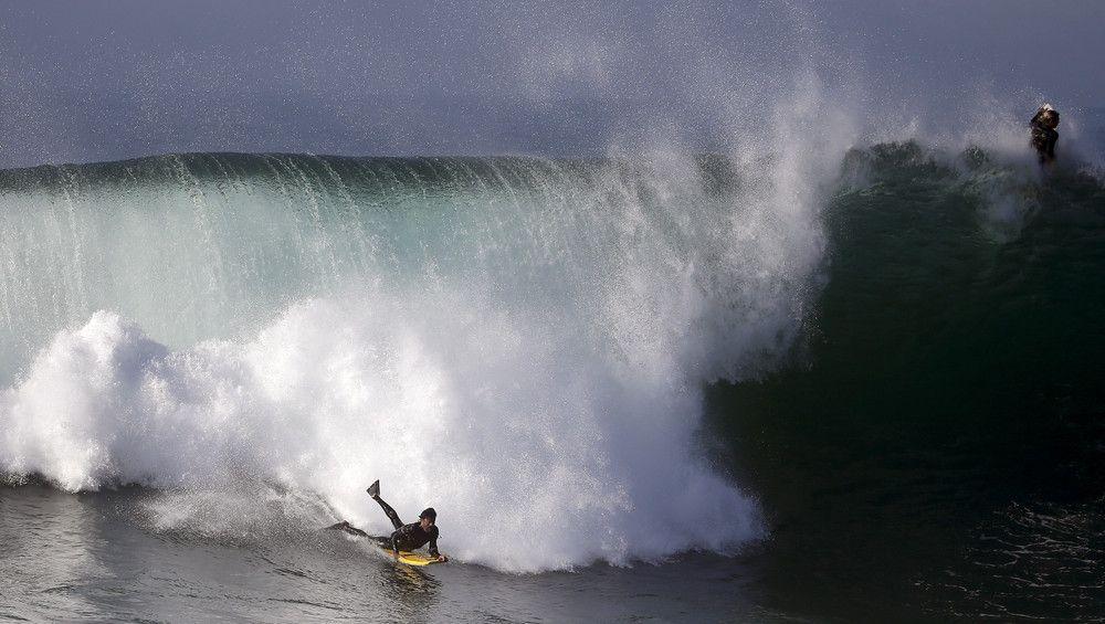 Surfers Delight en Ondas grandes del huracán Marie