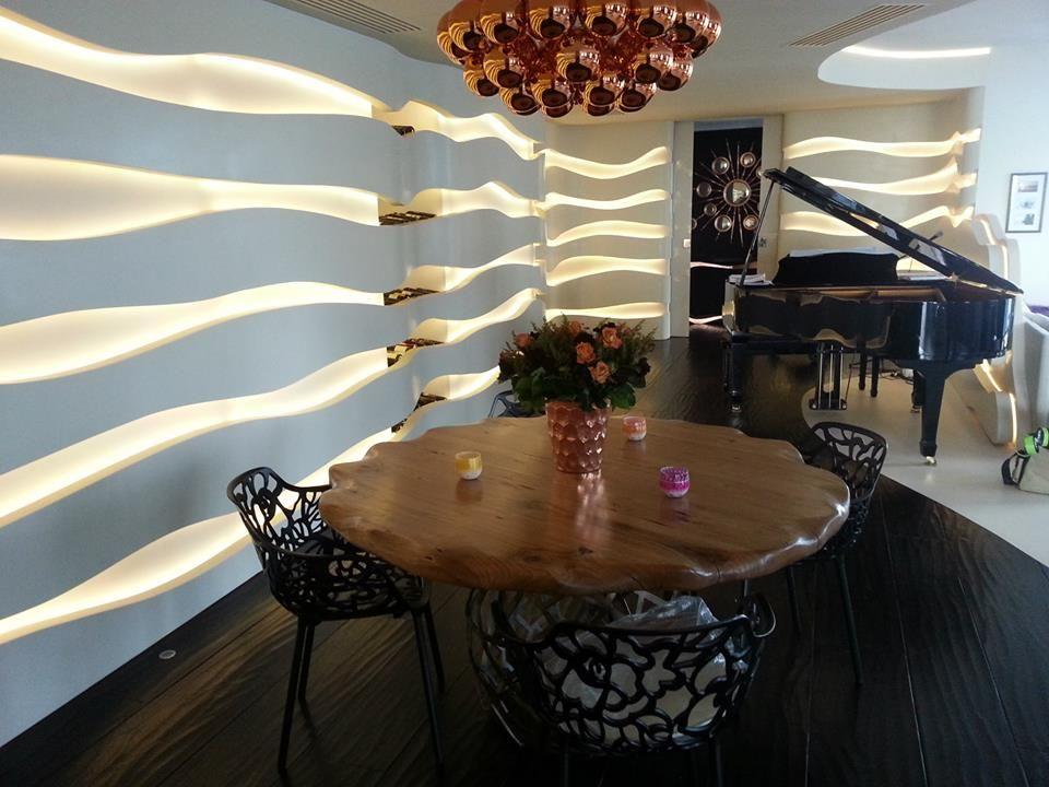 APIS Esstisch in a project of Vision Apartments   www - moderne luxus wohnzimmer