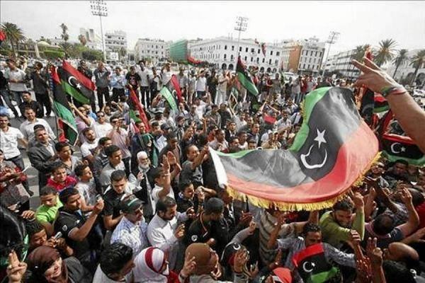 Varias ONG han reclamado hoy a la OTAN y a varios de sus países miembros que aclaren las circunstancias de la muerte en el Mediterráneo el pasado año de 63 inmigrantes a bordo de un buque que partió de Libia durante el conflicto armado en el país. Ver más en: http://www.elpopular.com.ec/48377-piden-a-la-otan-que-aclare-la-muerte-de-63-personas-salidas-de-libia-en-2011.html?preview=true