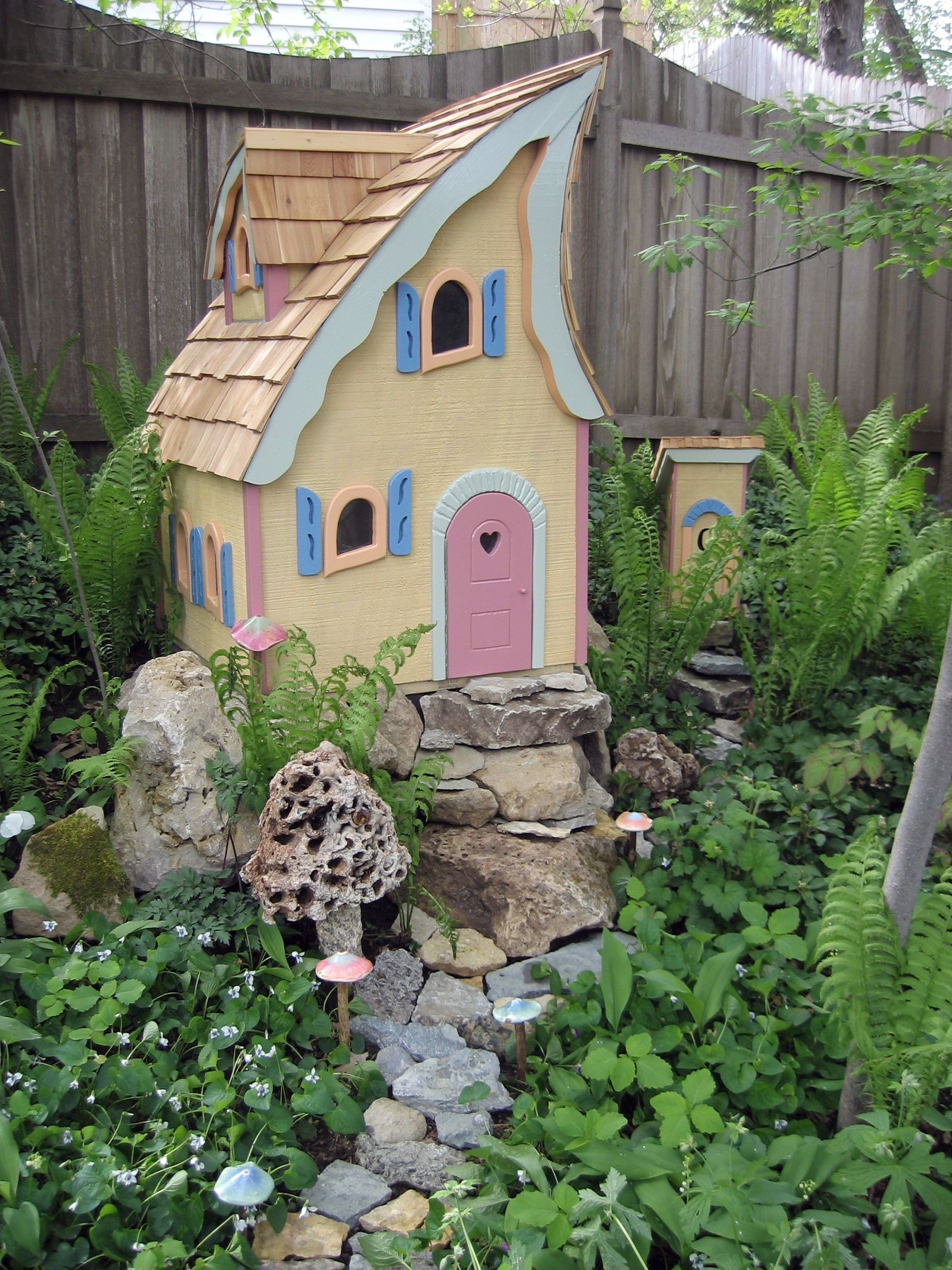 Find This Pin And More On ITTY BITTY HOUSES By CcConnieClark. From Pahls: Fairy  Garden Cottage