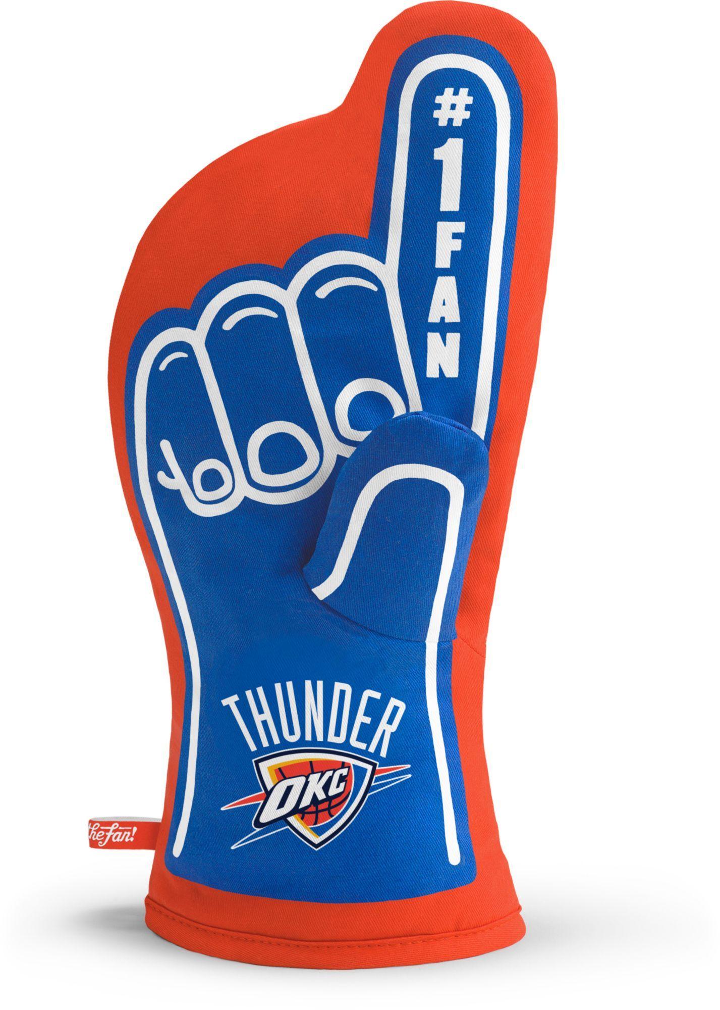 huge discount ea83a bfac3 NEW ERA NEW ERA OKLAHOMA CITY THUNDER NBA ON COURT COLLECTION POM KNIT HAT.   newera     New Era   Knitted hats, Thunder nba, Oklahoma city thunder