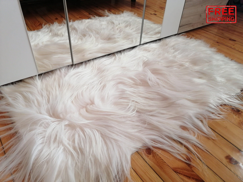 White Fur Carpet Real Fur Rag Sheepskin Sheepskin Carpet Goat Skin Long Hair Fur In 2020 Fur Carpet Patterned Carpet Rugs On Carpet