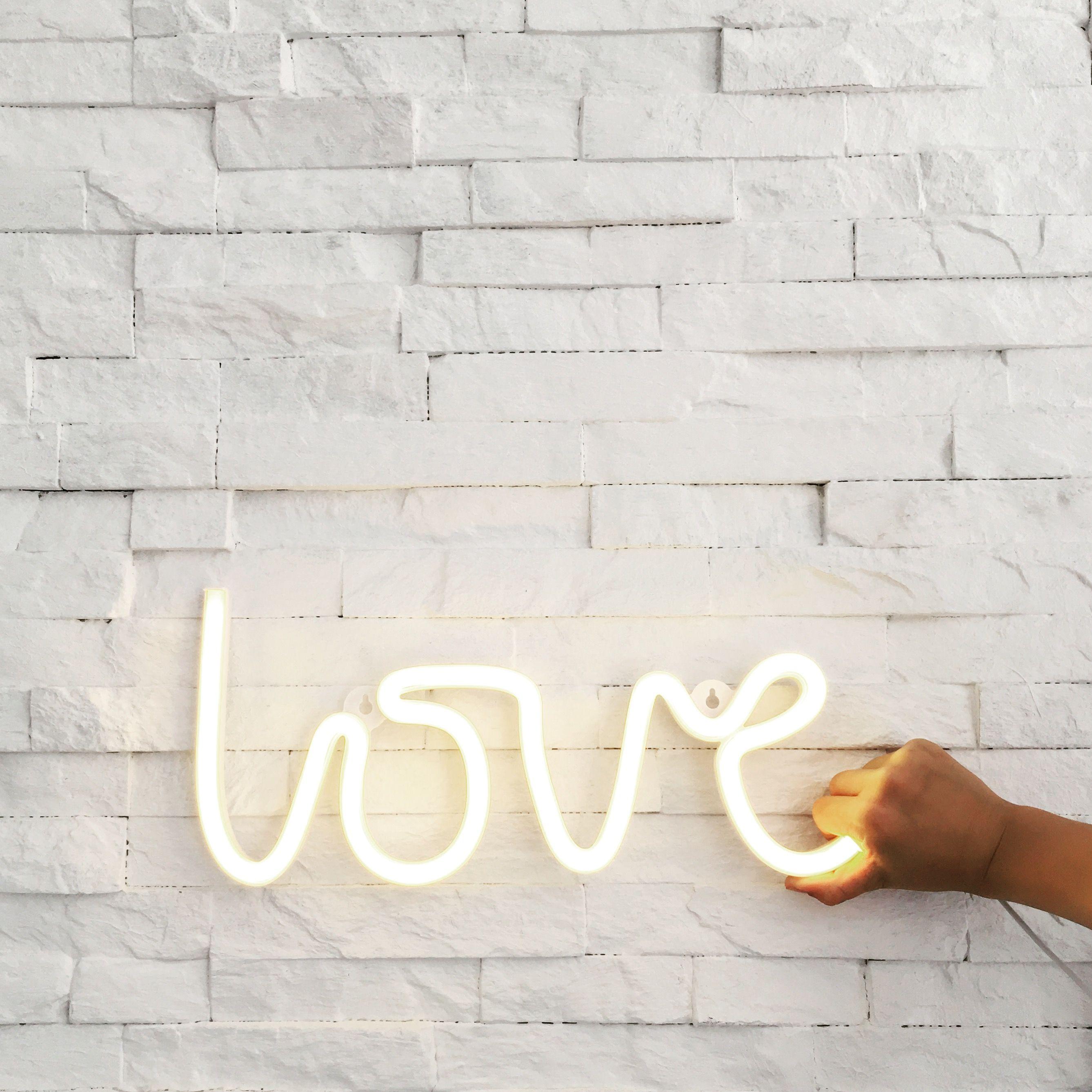 Neon-Light LOVE, Gelb | Neon lighting, Neon and Lights