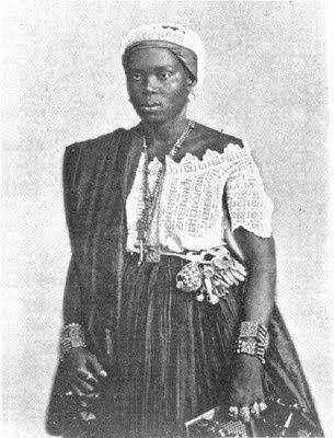 Balangandan Wikipedia Buscar Con Google Spirit Clothing African People Victorian Women