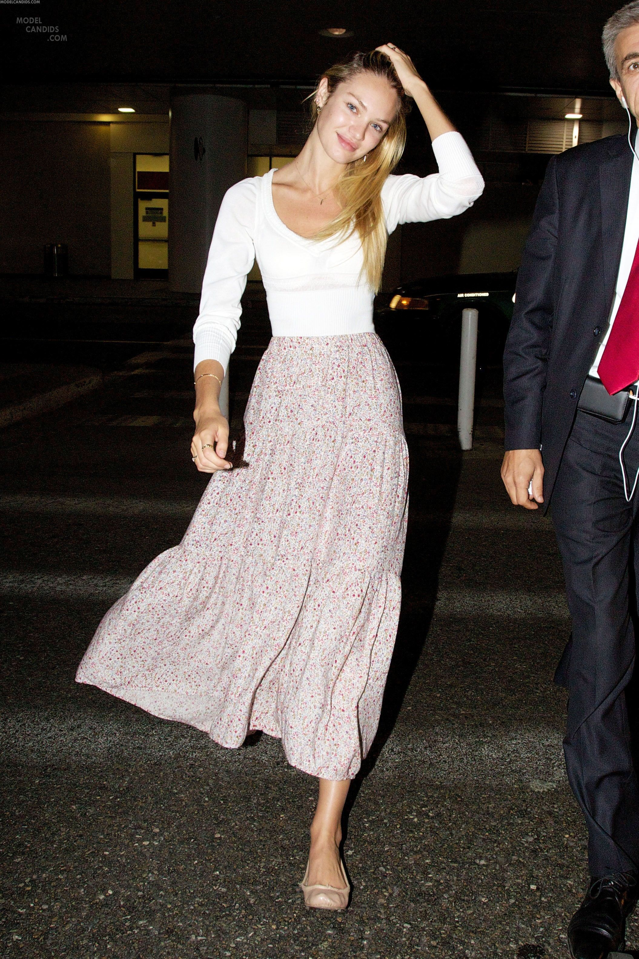 a7d2f3034d0 Airport Style- Candice Swanepoel
