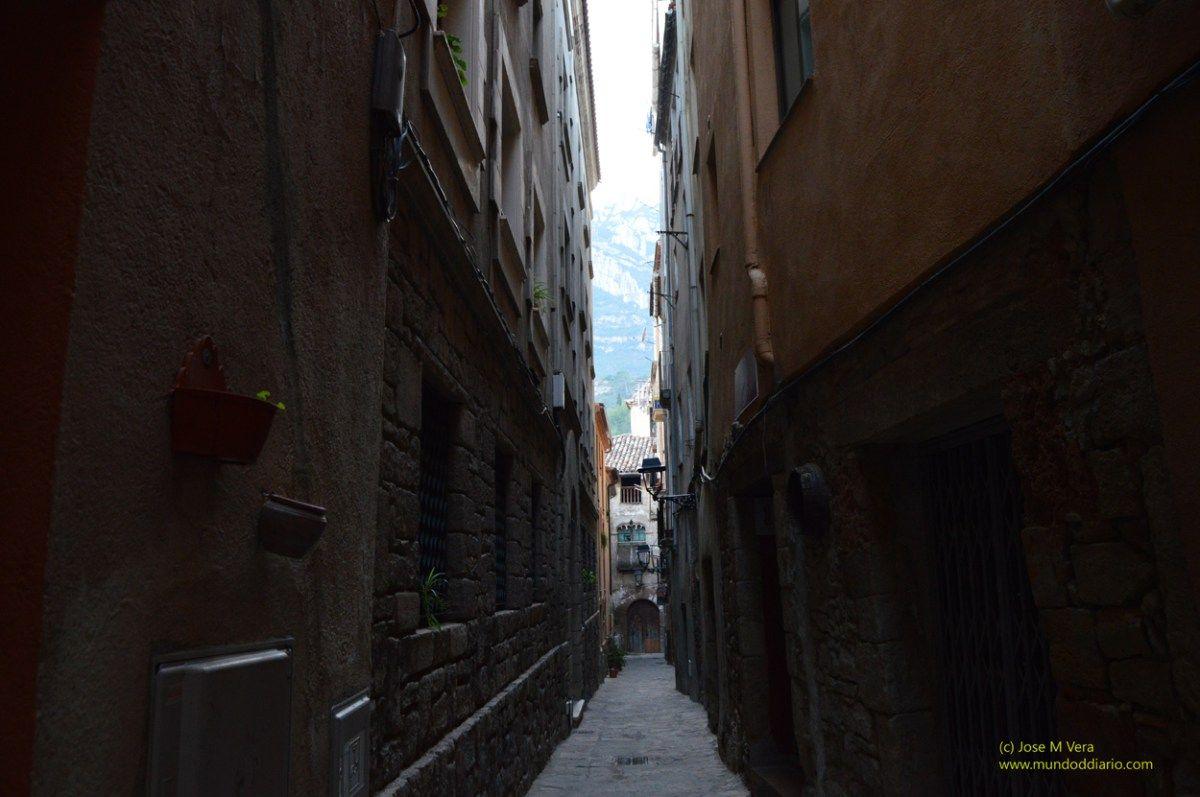 Angostas calles edificaciones pinterest calle - Calle montserrat barcelona ...