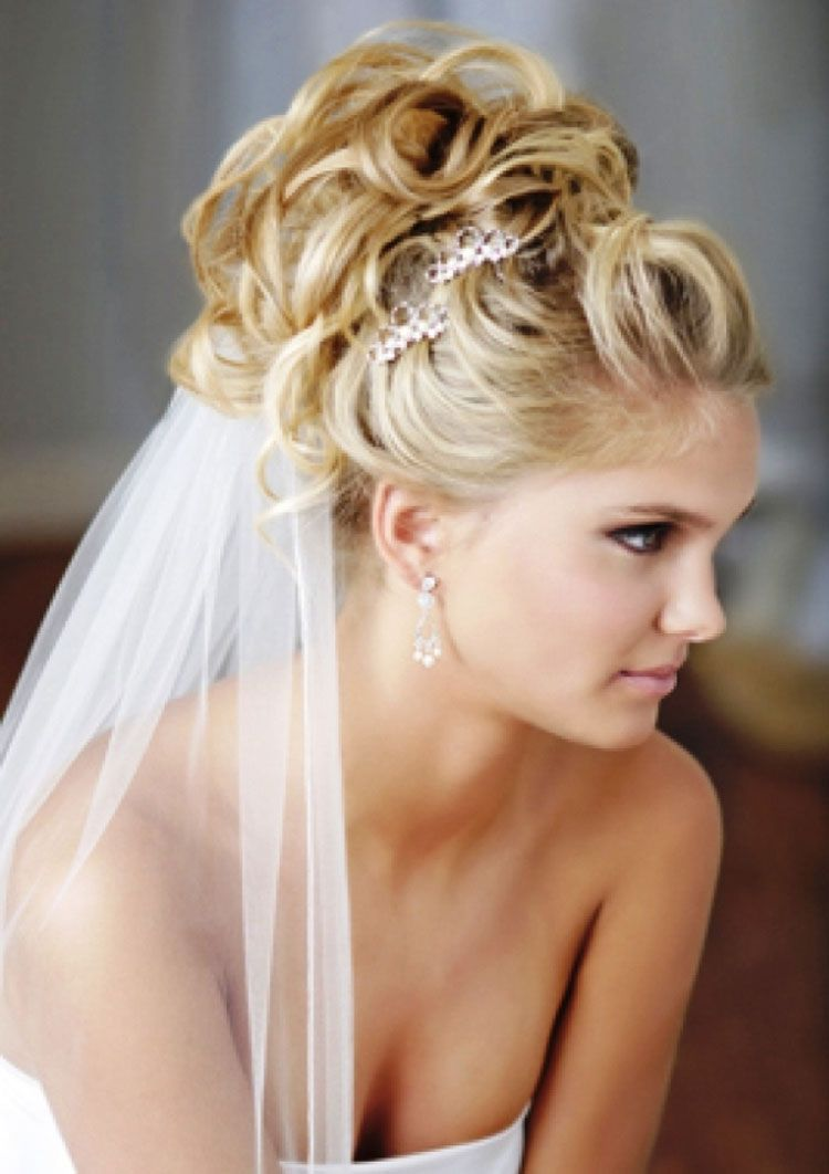wedding hairstyles for med hair with veil and clip | blonde hair
