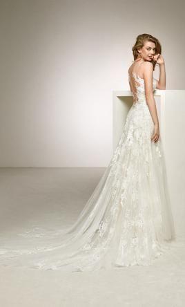 Pronovias Dalia Wedding Dress   Sample, Size: 14, $799