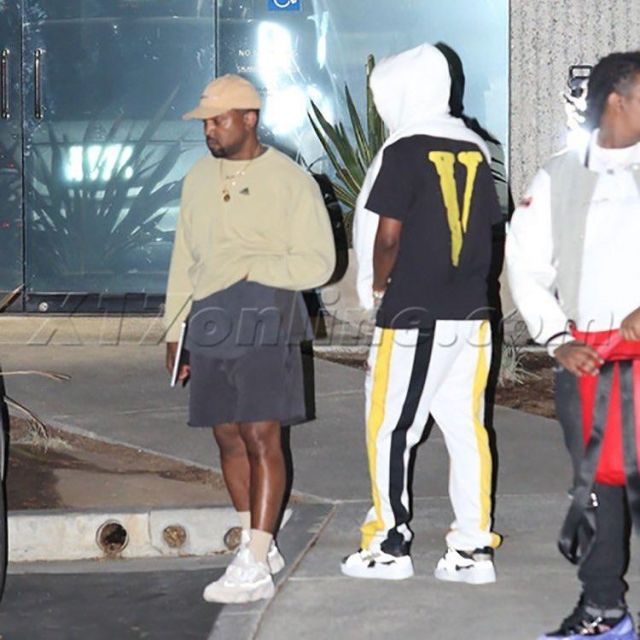 The Pair Of Adidas Yeezy Desert Rat 500 Blush Of Kanyewest On A Post Instagram Spotern Rap Rapmo Kanye West Style Outfits Kanye West Style Blush Outfit