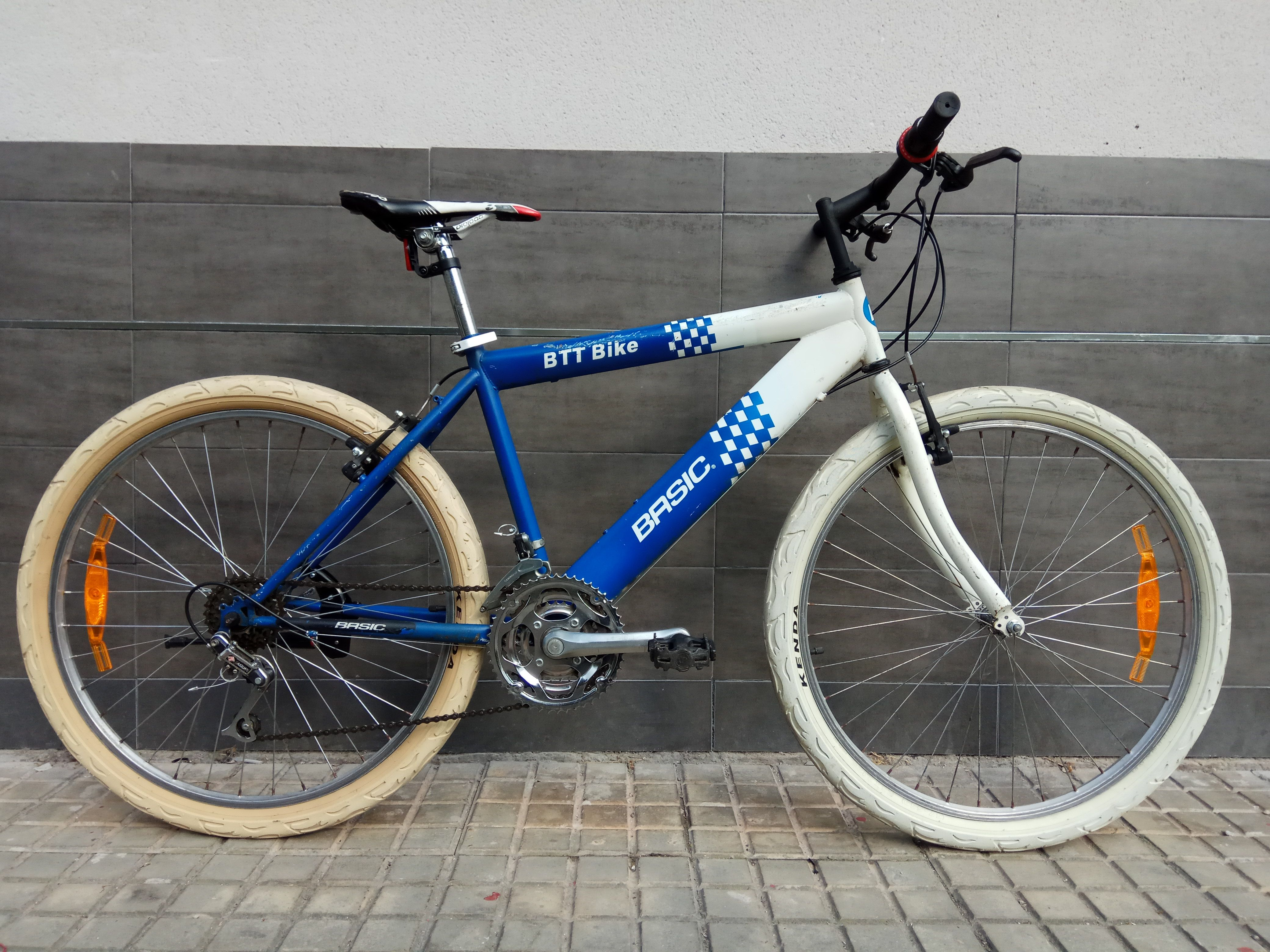 Bicicleta Basic Revisada y Ajustada 80€ MARCA: Basic MODELO: Btt ...