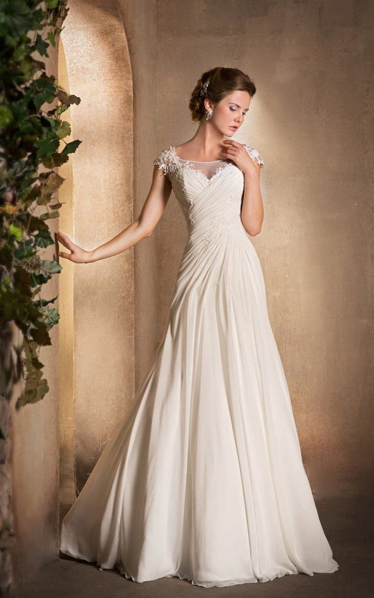 19++ Ruched wedding dress lace information