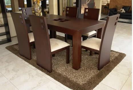 Mesa comedor de madera sobrio elegante muebles for Mesa de comedor elegante lamentable