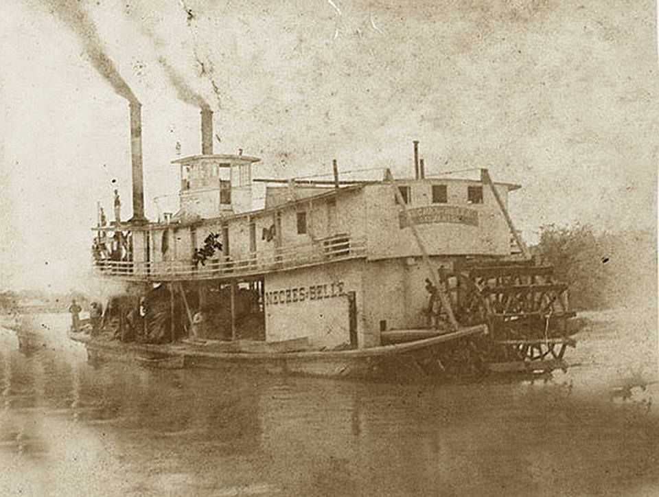 The Neches Belle plying the Neches River in 1892. It was the last of the paddlewheel steamers to serve on the river. The advent of railroads subsequently killed the steamboat industry in Texas.