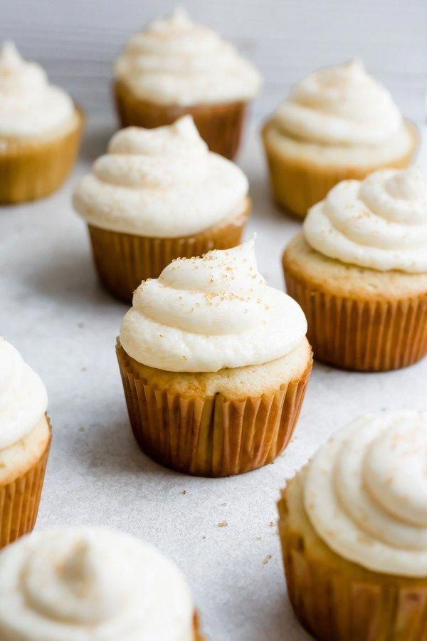 Peach Moscato Cupcakes - These cupcakes are so incredibly light and fluffy, with a light peachy flavor and a delicious, smooth buttercream frosting! There's Peach Moscato in the cupcakes, and in the frosting. SO GOOD! |