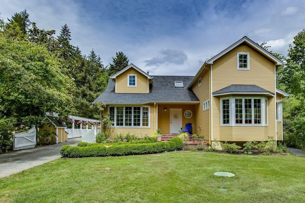 Zillow has 164 homes for sale in Bainbridge Island WA