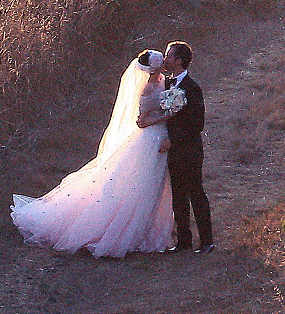 Anne Hathaway & Adam Schulman's Big Sur wedding!