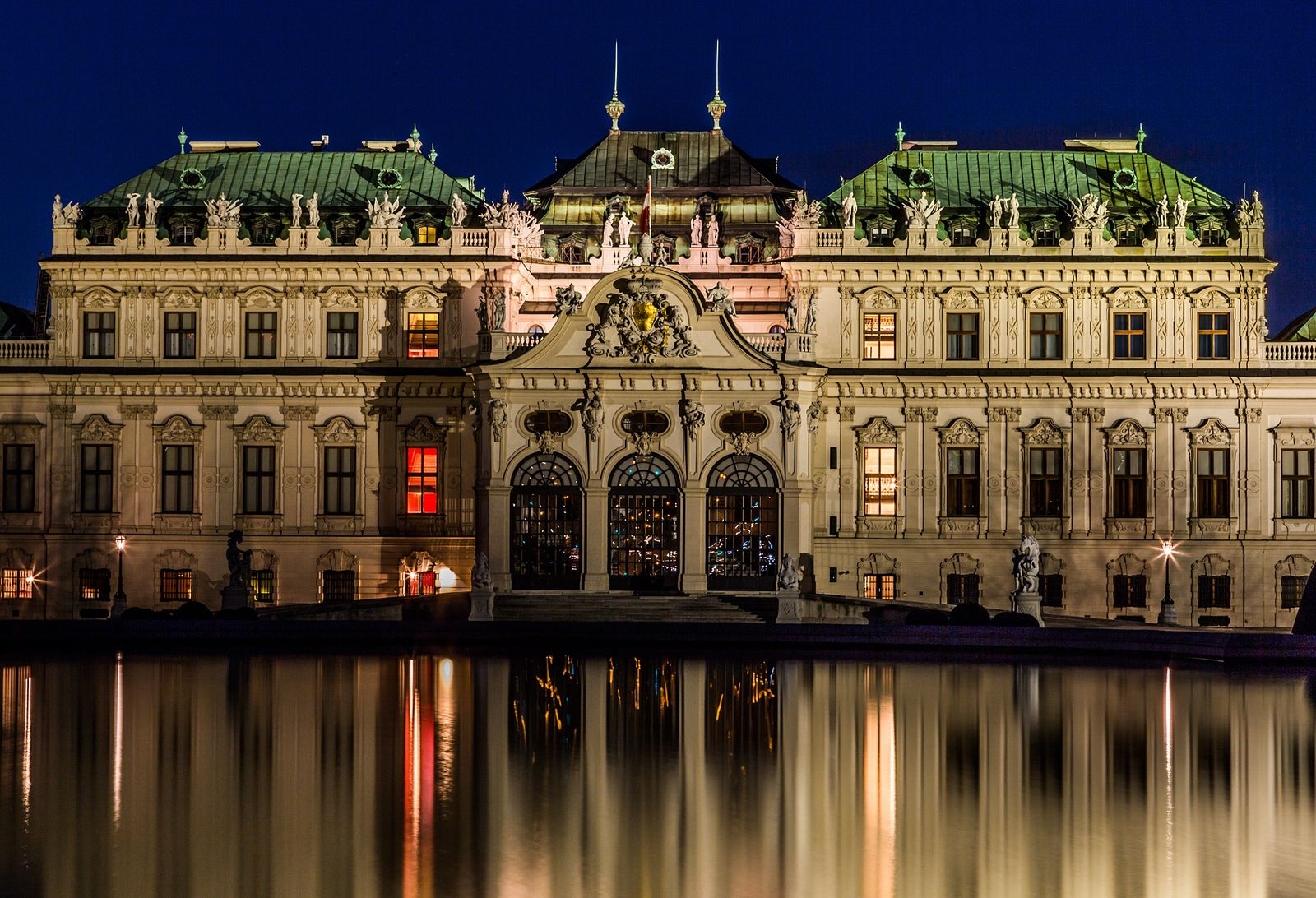 https://flic.kr/p/rsFTuA | Wien / Vienna (Austria): Belvedere | Schloss Belvedere in der Abenddämmerung.  Upper Belvedere Palace in the evening.  More shots from Vienna and vicinity at   www.flickr.com/photos/cbrug/sets/72157645577360467/