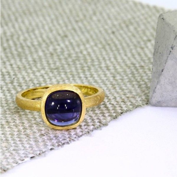Flawless Jewellery 18ct Yellow Gold And Iolite Cabochon Ring ($685) ❤ liked on Polyvore featuring jewelry, rings, gold jewellery, gold jewelry, cabochon jewelry, yellow gold jewelry and cabochon ring