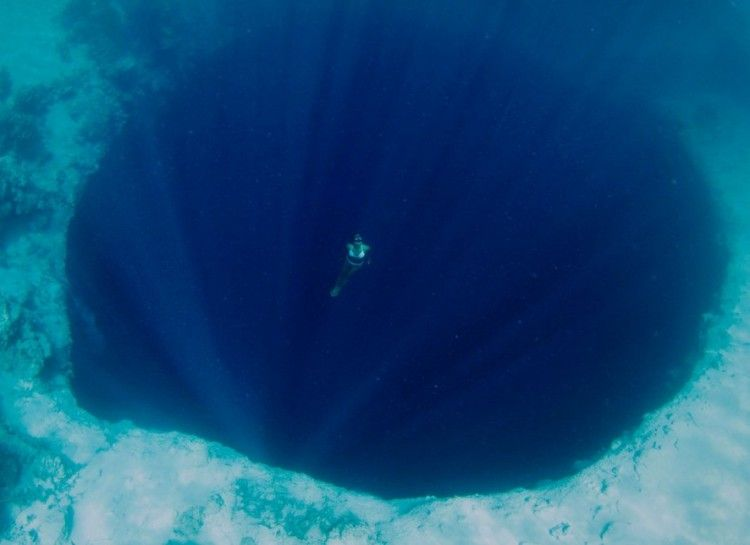 19 Pictures That Prove You Definitely Have Thalassophobia
