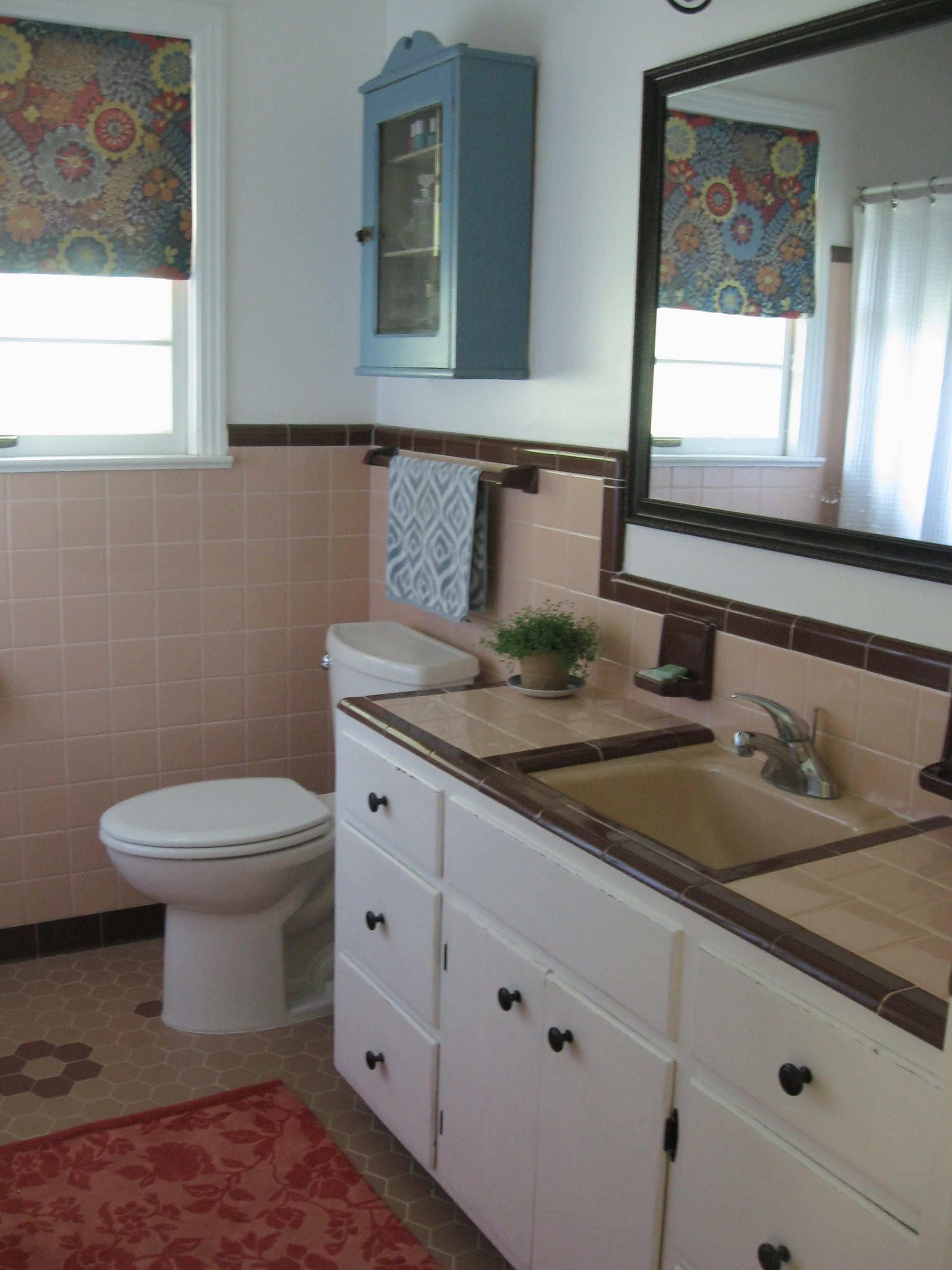 Retro Bathroom 50s Bathroom Peach Tile With Reddish Brown Trim