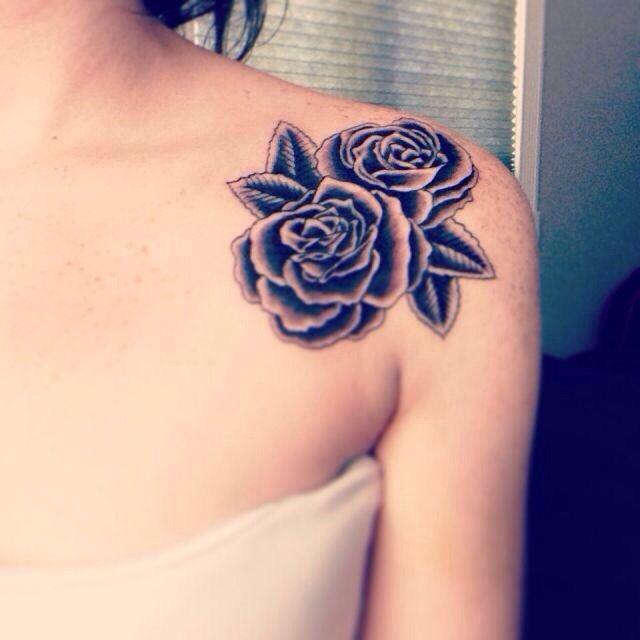 Rose On The Shoulder Tatuagem