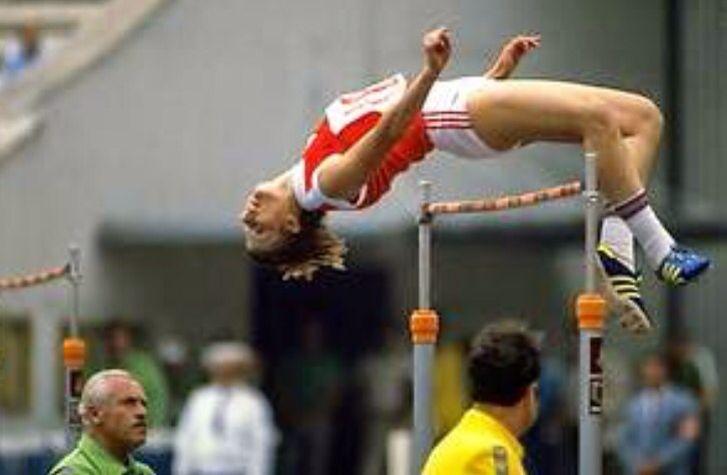Homo gymnasts in actionion