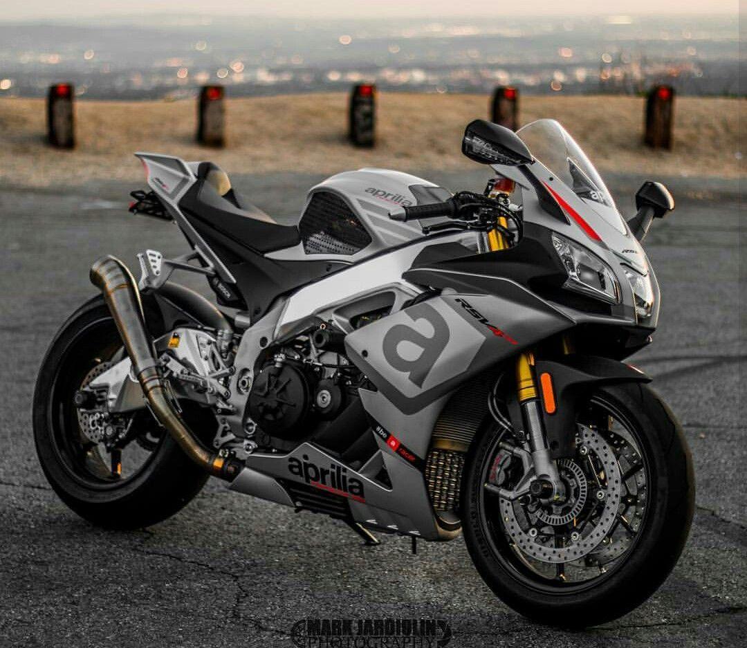 Aprilia Rsv Rs With Images Racing Motorcycles Aprilia Super