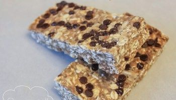 Peanut Butter Chocolate Chip Quaker Bars ~ Recipe Makeover!