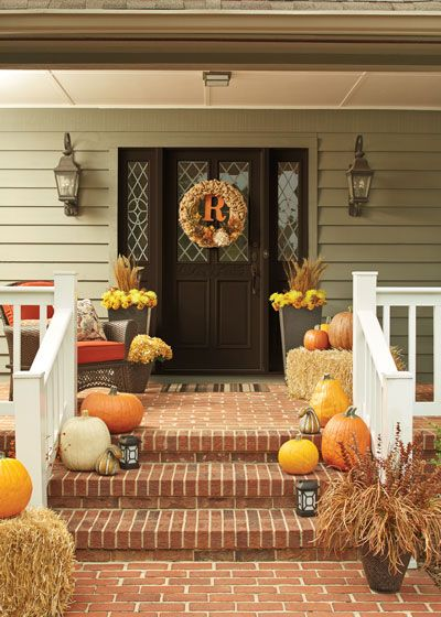 Bring the look of fall to your front porch decor.