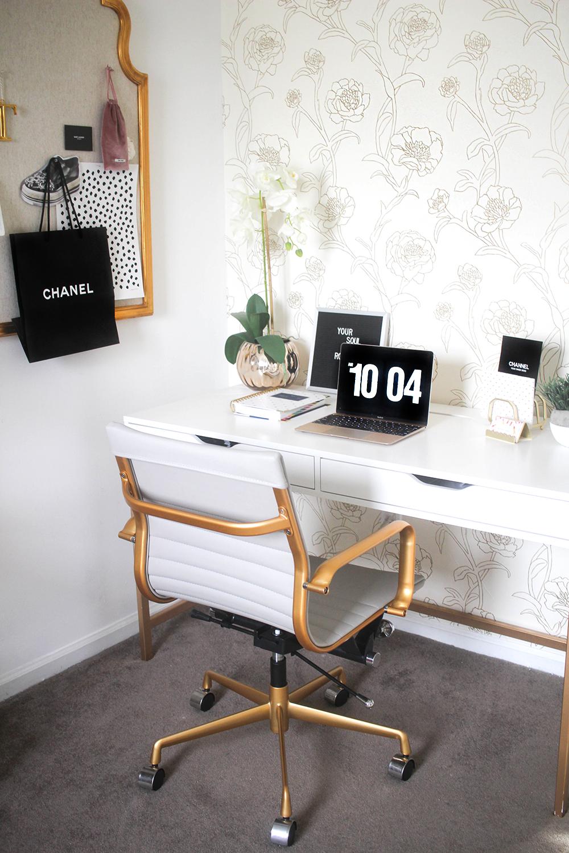 blogger office tour gold office feminine office and office desk decorations. Black Bedroom Furniture Sets. Home Design Ideas