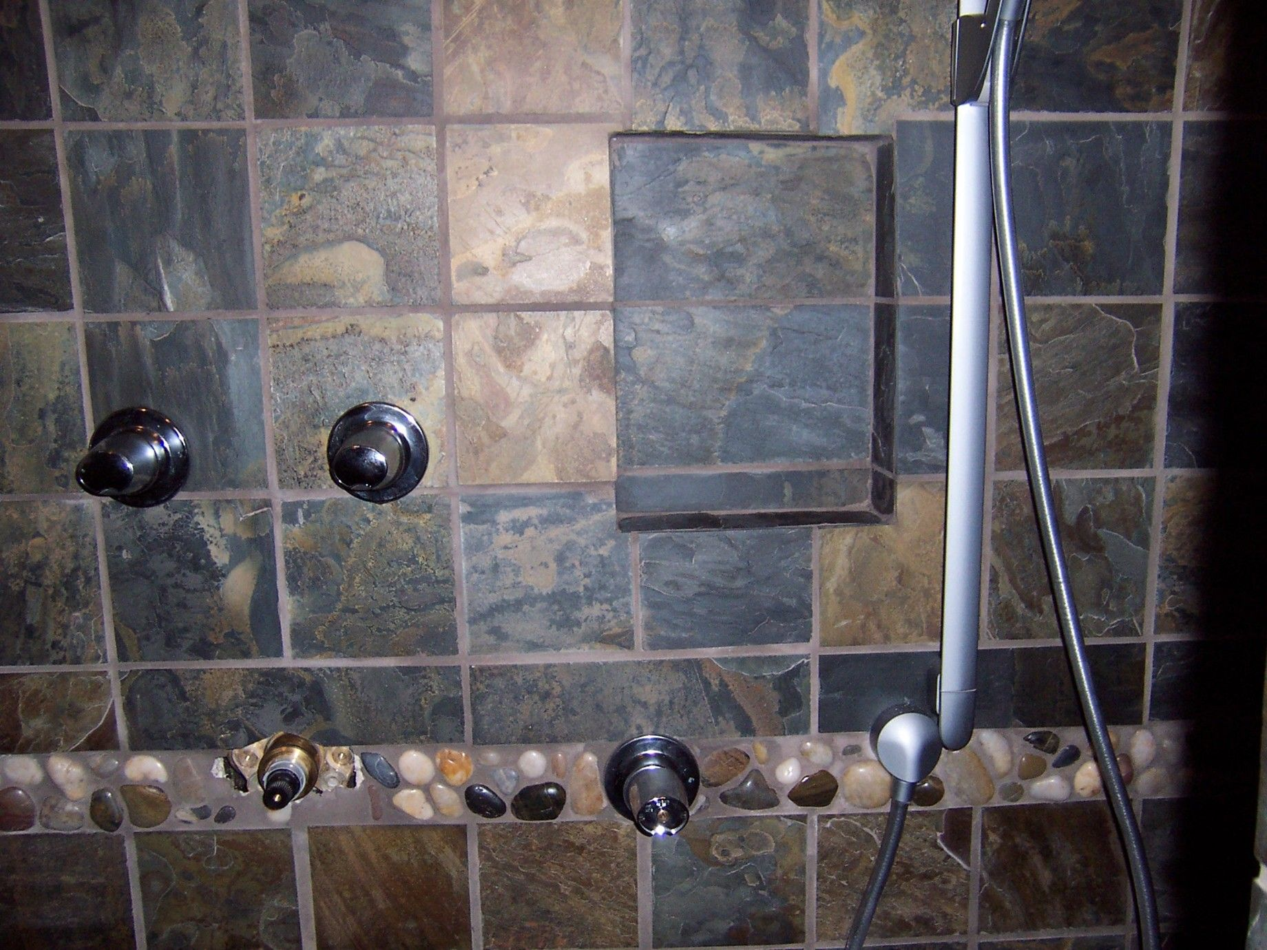 Bathroom Tiles Grey Slate slate-bath-12 | grey bathroom tiles, grey bathrooms and tile ideas