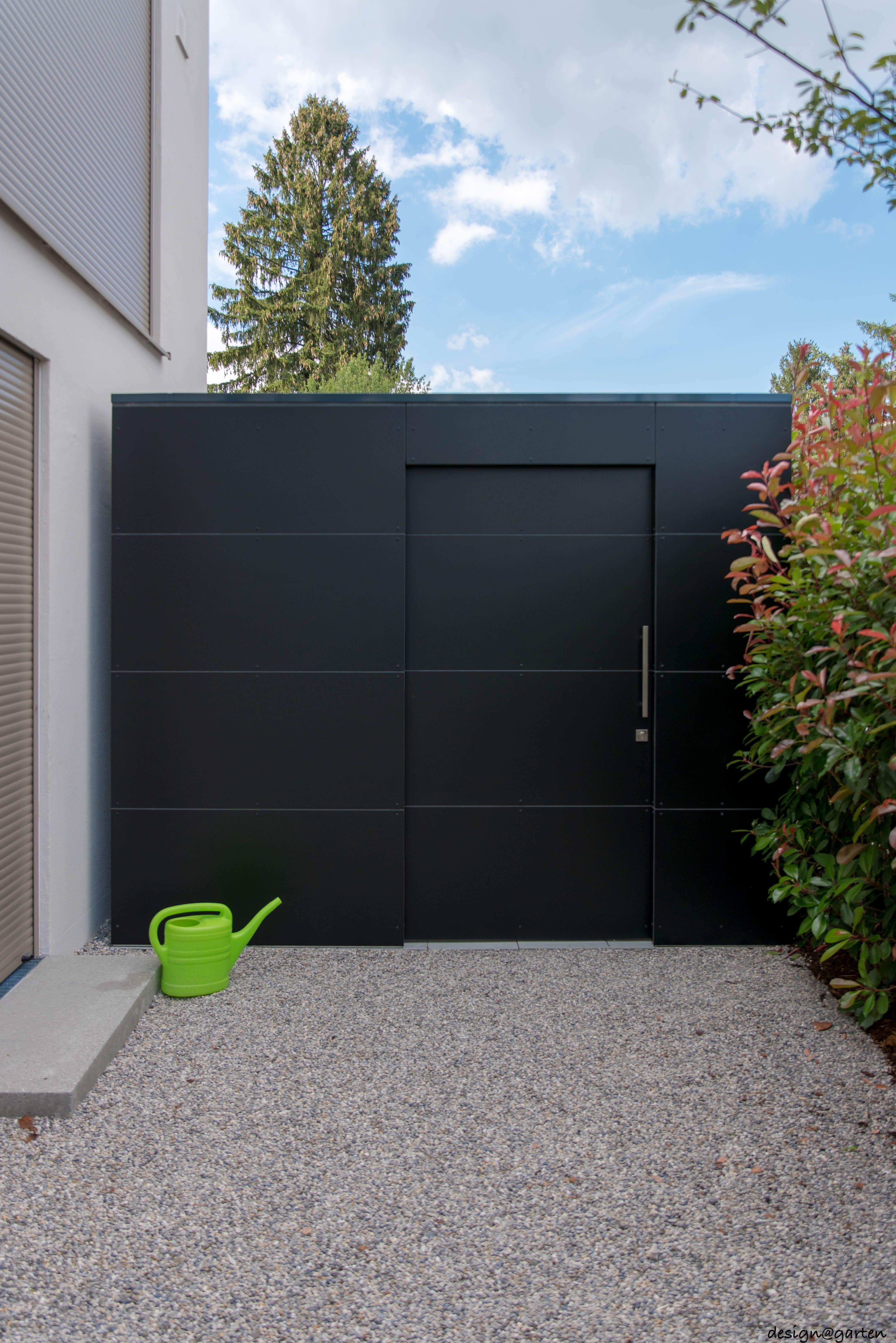 Design Gartenhaus black box @_gart  in  München by design@garten - Augsburg, Germany  UV-beständig - niemals streichen! #Gartenhaus #Gerätehaus #HPL #design@garten #backyardoasis