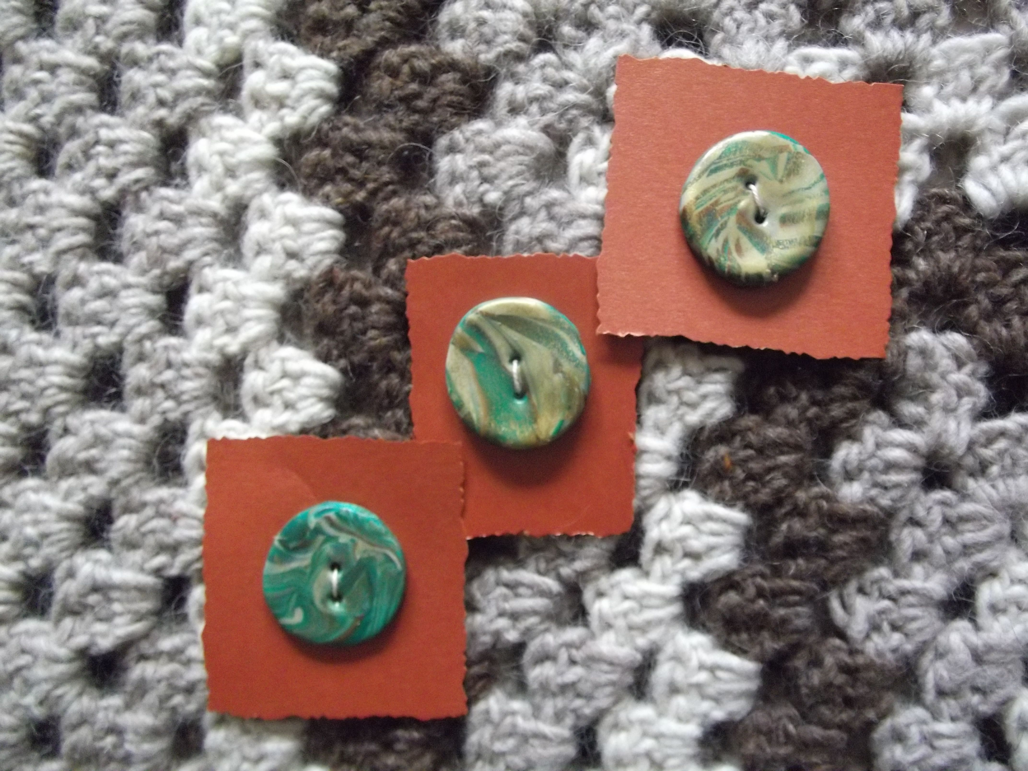 set of 3 buttons