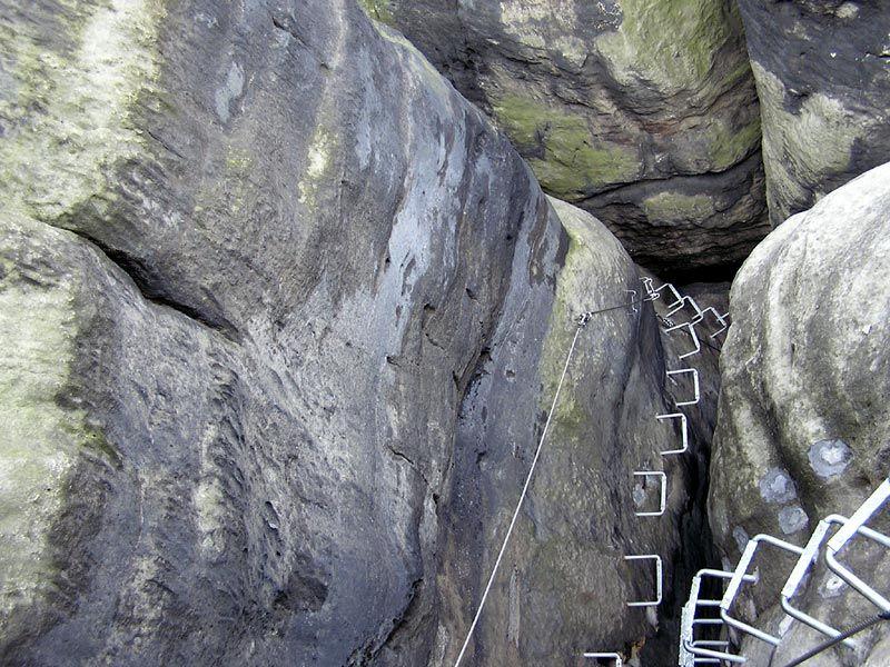 Klettersteig Sächsische Schweiz : Datei nationalpark sächsische schweiz hinweistafel klettersteig