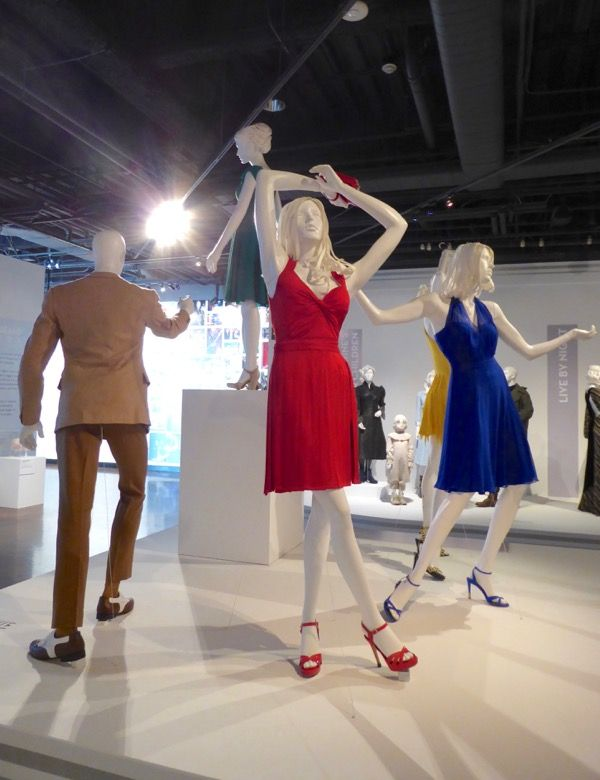 Oscar Nominated La La Land Film Costumes On Display La La Land Lala Land Outfits Costume Design