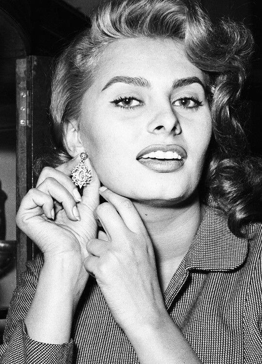 Sophia Loren | Sophia loren, Sophia loren photo, Sophia