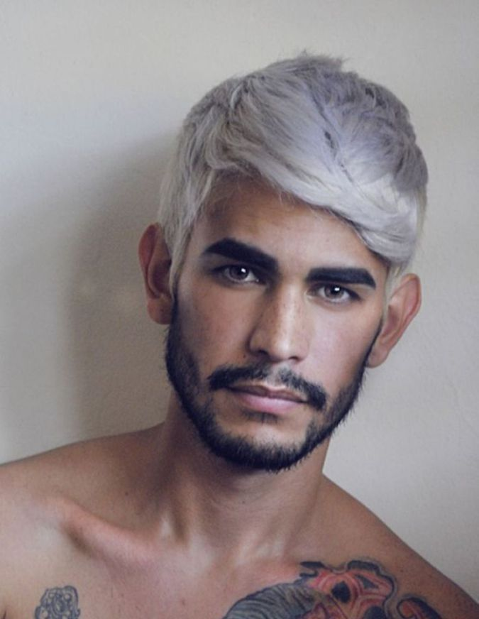 Mannerfrisur grau gefarbt