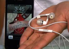 The iPhone headphones (or any headphones with a mic and remote) can control your iPhone, iPad, or iPod Touch in up to 10 different ways. Read this blog post by Sharon Vaknin on How To. via @CNET