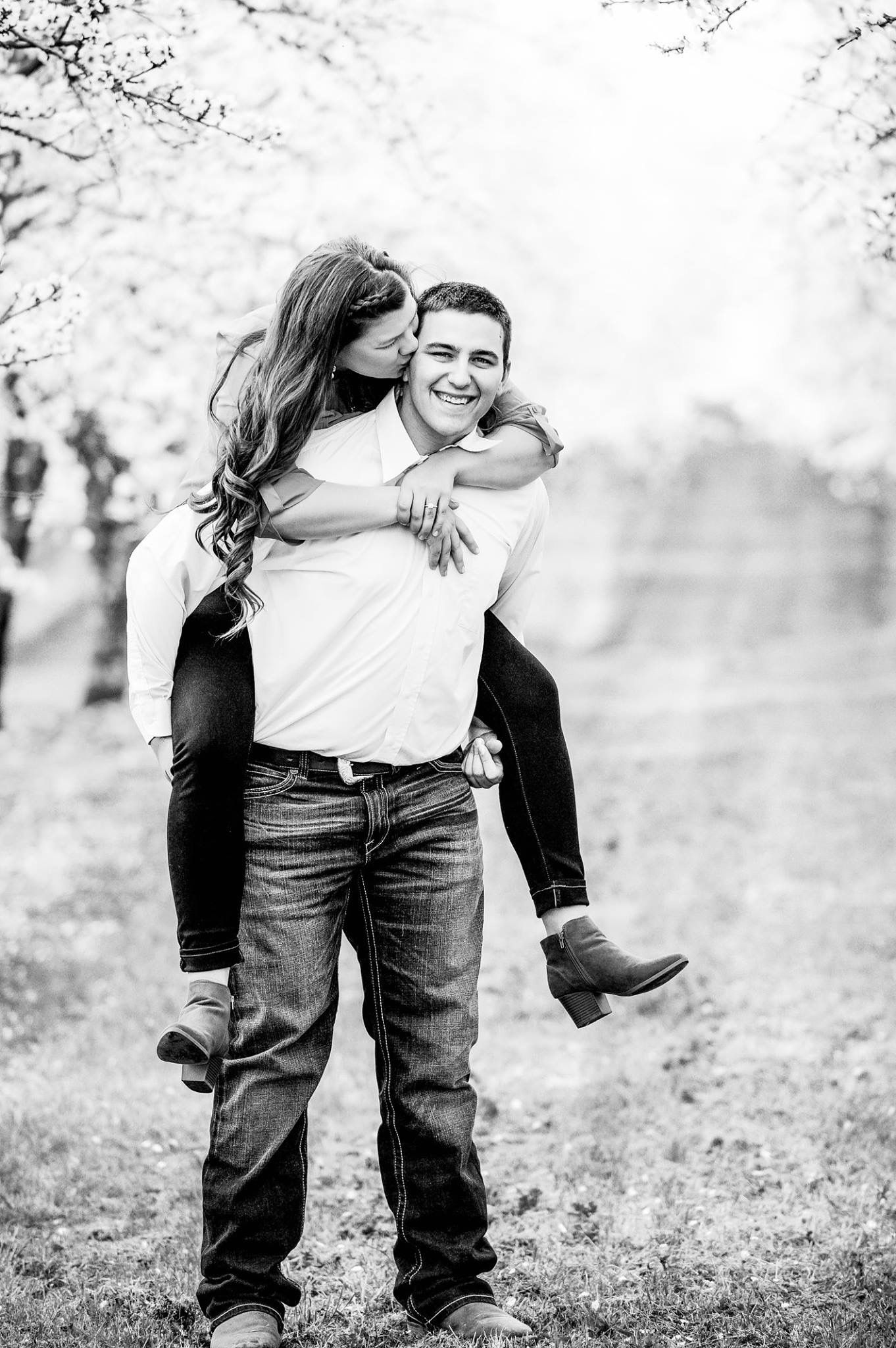 Pin by Kim Gollmyer on Country Engagement Photos