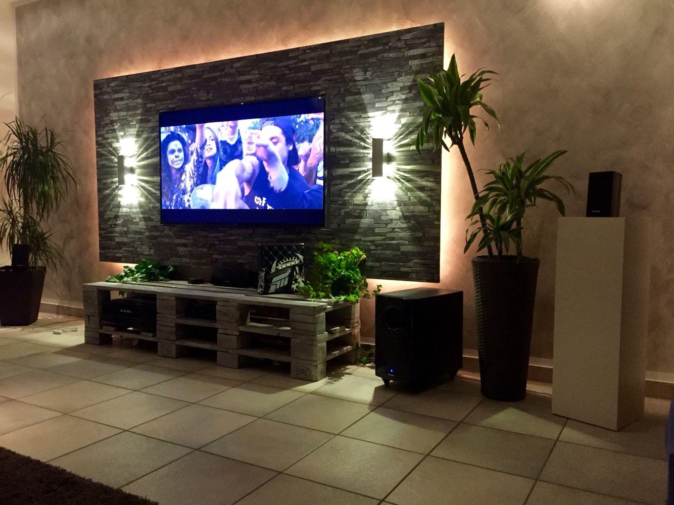 TV Mit Paletten Board