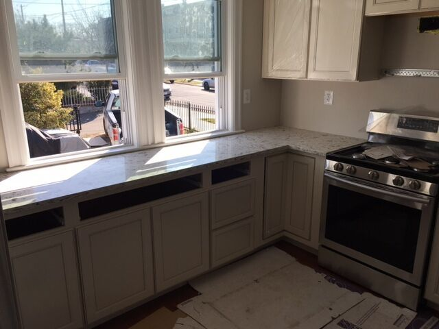 We were contacted by the client, Janet, to install new kitchen countertops in her Washington DC home. She wanted an all-white kitchen, and ….. Read More…..