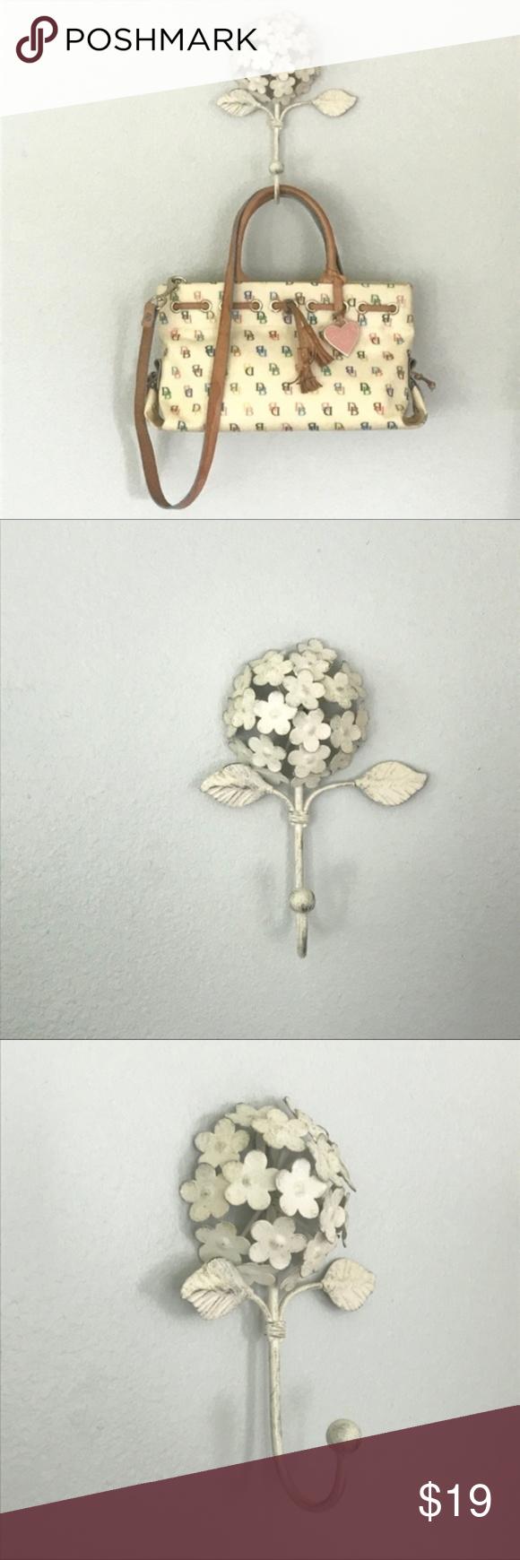 Metal Hydrangea Flower Decorative Wall Hook In 2020 Decorative Wall Hooks Hydrangea Flower Wall Hooks